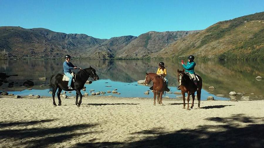 paseos a caballo en lago de sanabria